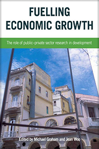 Couverture du livre Fuelling Economic Growth : The Role of Public–Private Sector Research in Development